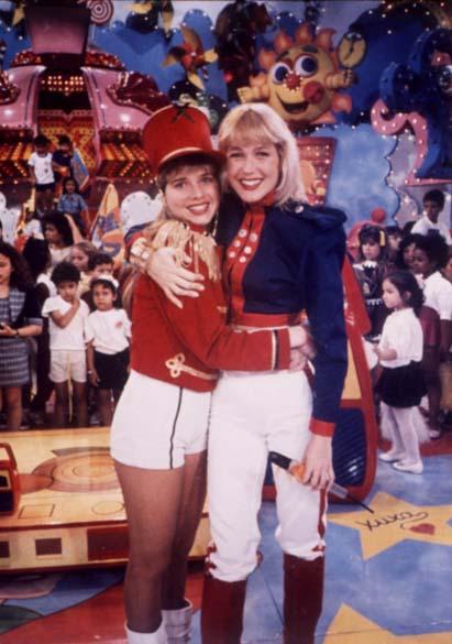 Xuxa com a atriz e ex-paquita Letícia Spiller, 1989