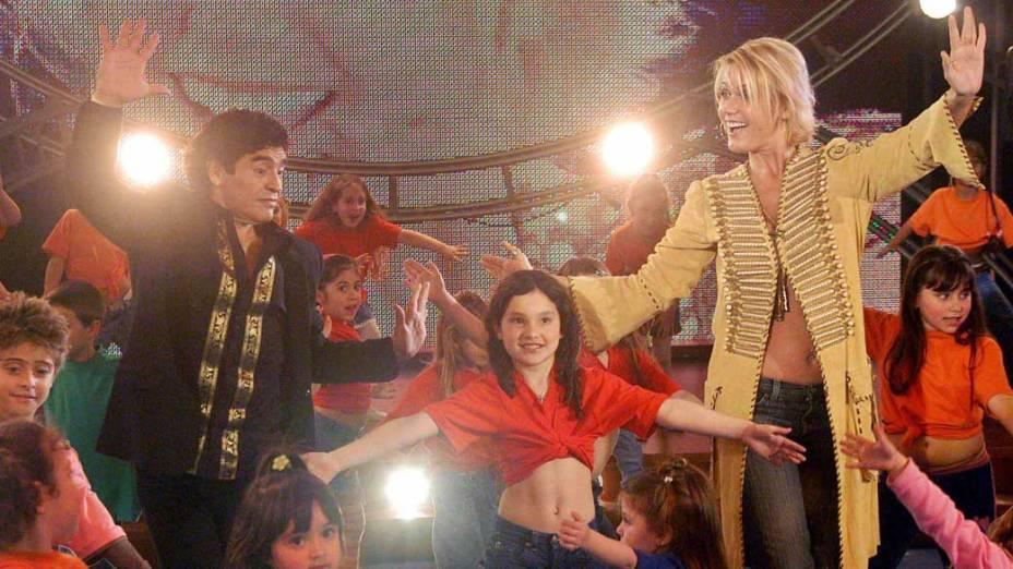 Xuxa e Maradona durante um programa de TV em Buenos Aires, 2005