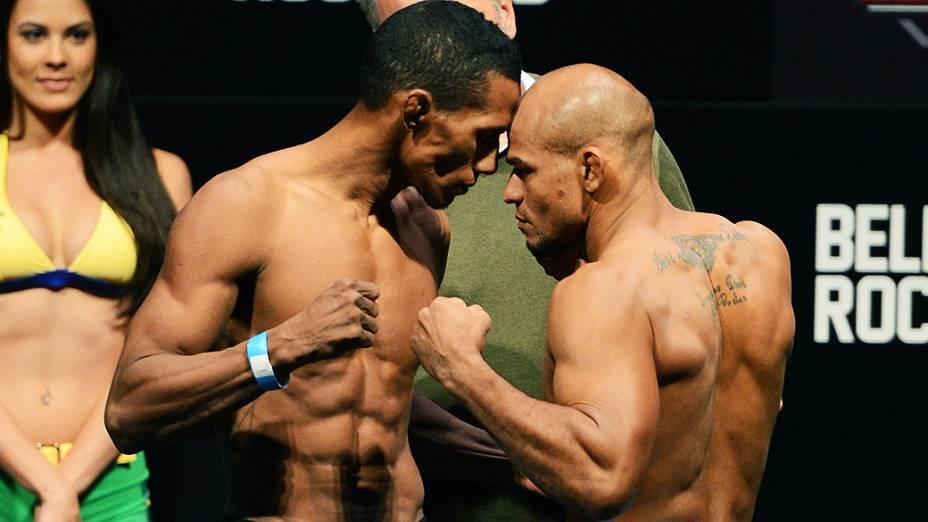 Yuri Alcantara e Illarde Santos durante a pesagem do UFC Jaraguá do Sul em (SC)
