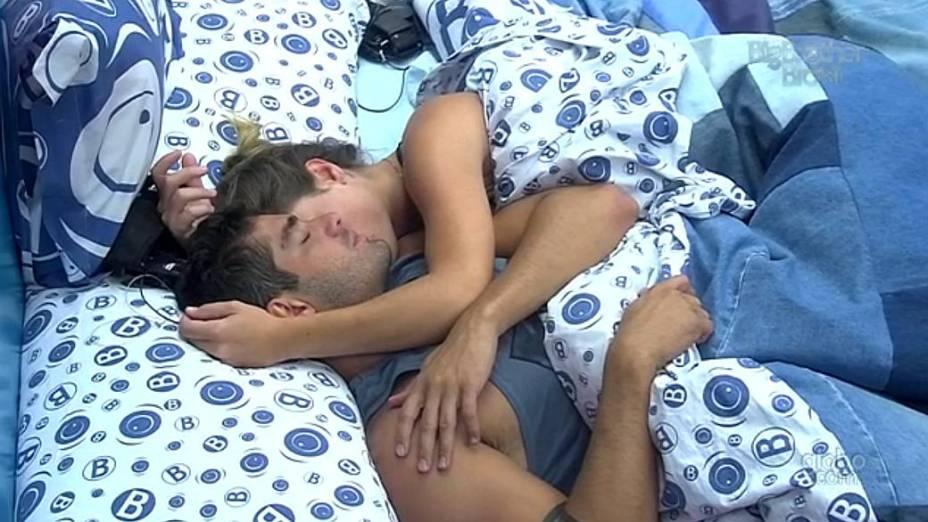 Yuri e Natália no BBB 13