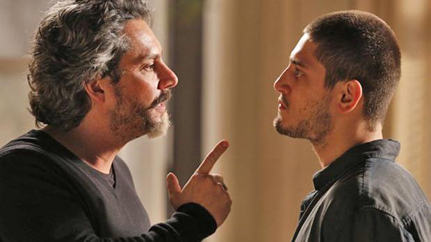 José Alfredo (Alexandre Nero) e João Lucas (Daniel Rocha) em Império
