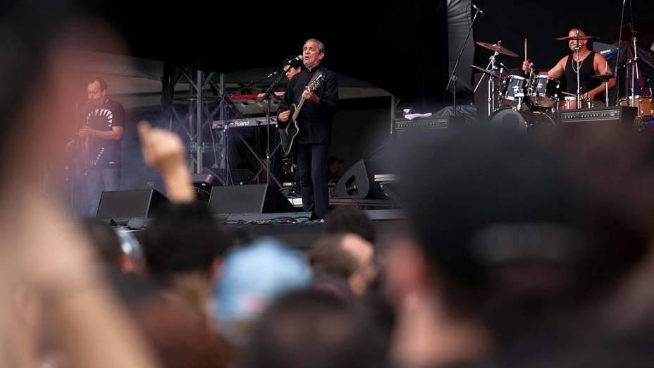 Zé Ramalho durante show no palco Energia & Consciência, no segundo dia do festival SWU em Paulínia, em 13/11/2011