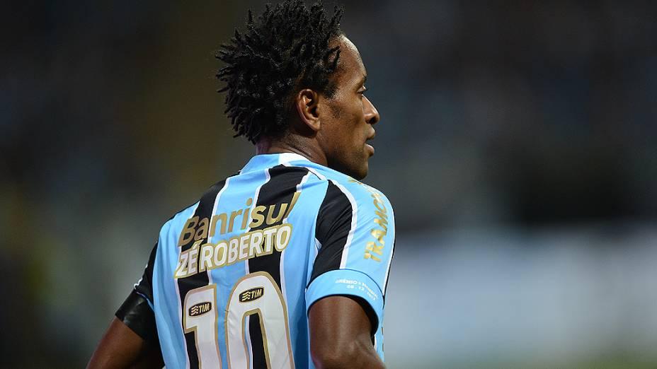 Zé Roberto, do Grêmio, durante o jogo contra o Hamburgo na inauguração da Arena em Porto Alegre