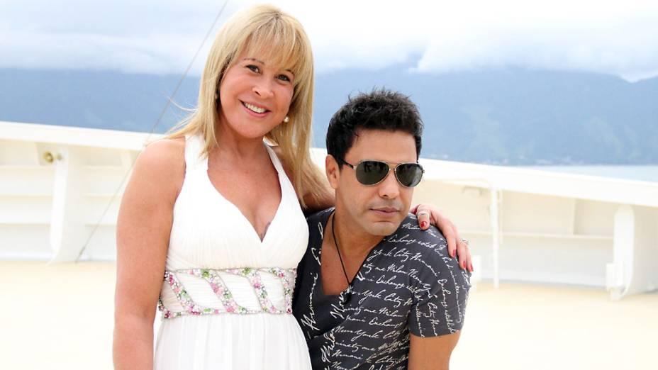 """Zilú com o marido, Zezé di Camargo, durante a 3ª edição do show """"Cruzeiro É o Amor"""""""