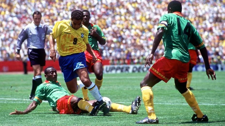 Zinho na partida entre Brasil e Camarões na Copa do Mundo de 1994