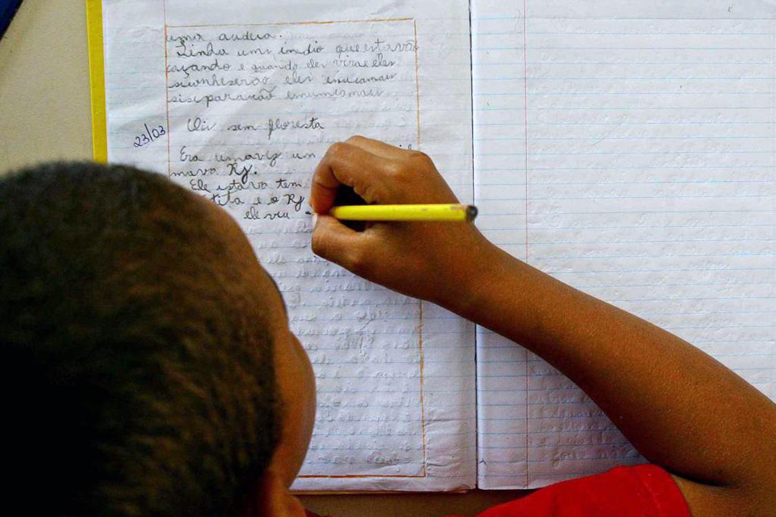 O Brasil tem 49,8 bilhões de alunos matriculados em instituições de ensino básico e educação infantil