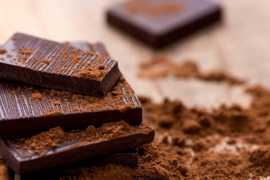 2 - 4 quadrados de uma barra de chocolate