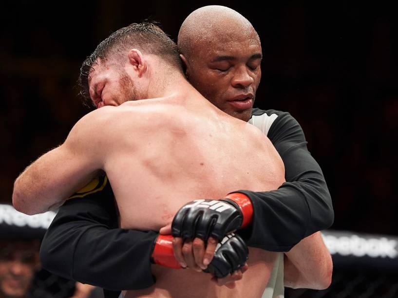 Anderson Silva vence Daniel Cormier durante o UFC 200, na arena T-Mobile, em Las Vegas (EUA), na noite deste sábado (09)