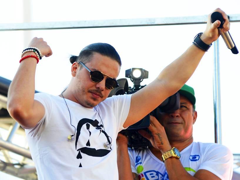 Wesley Safadão agita foliões no circuito Dodô, em Salvador