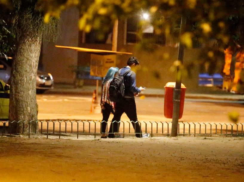 Marcelo Adnet é flagrado aos beijos com desconhecida na Zona Sul do Rio de Janeiro