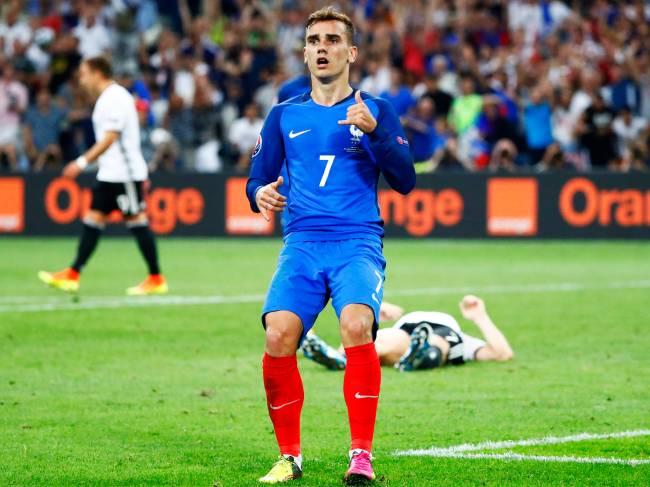 Antoine Griezmann comemora gol, na vitória da França sobre a Alemanha por 2 a 0, em partida válida pelas semifinais da Eurocopa 2016, realizada no Stade Velodrome, em Marselha - 07/07/2016