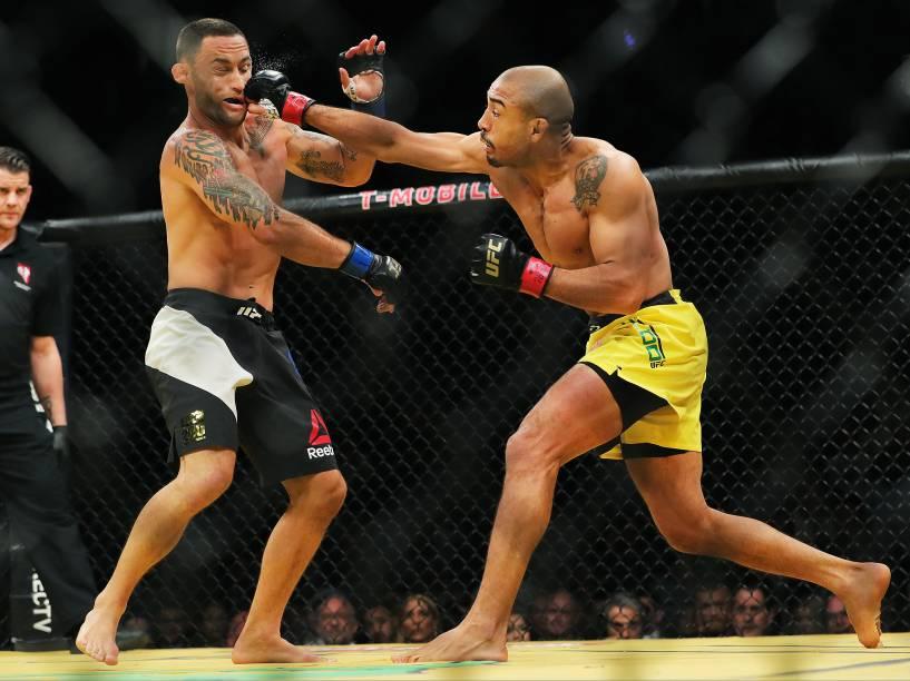 José Aldo vence Frankie Edgar durante o UFC 200, na arena T-Mobile, em Las Vegas (EUA), na noite deste sábado (09)