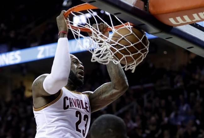 LeBron anotou 41 pontos e comandou vitória do Cleveland Cavaliers