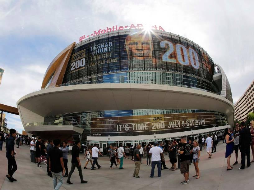 UFC 200 na arena T-Mobile, em Las Vegas (EUA), na noite deste sábado (09)