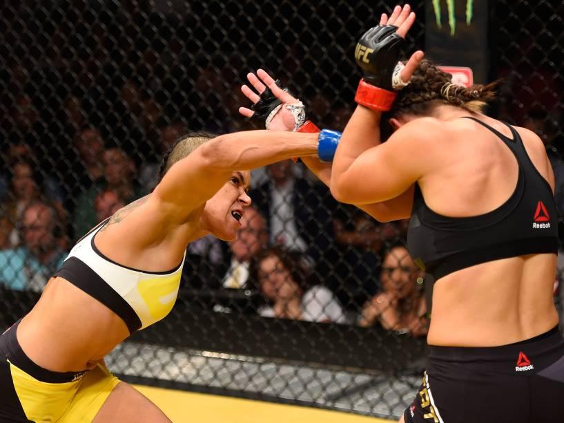 Amanda Nunes vence Miesha Tate durante o UFC 200, na arena T-Mobile, em Las Vegas (EUA), na noite deste sábado (09)