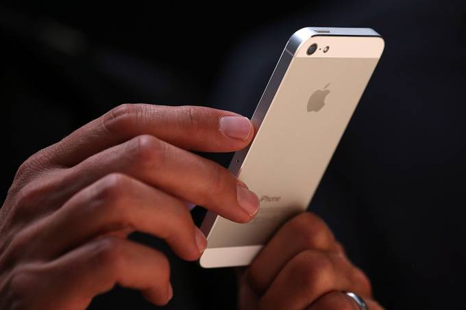 iPhone 5, lançado em setembro de 2012