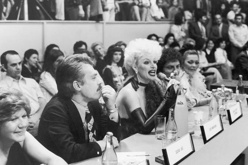 Elke Maravilha, jurada do 'Programa do Chacrinha' em 1974