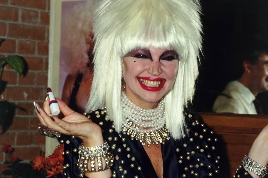 Elke Maravilha no lançamento dos cosméticos com o seu nome em 1987