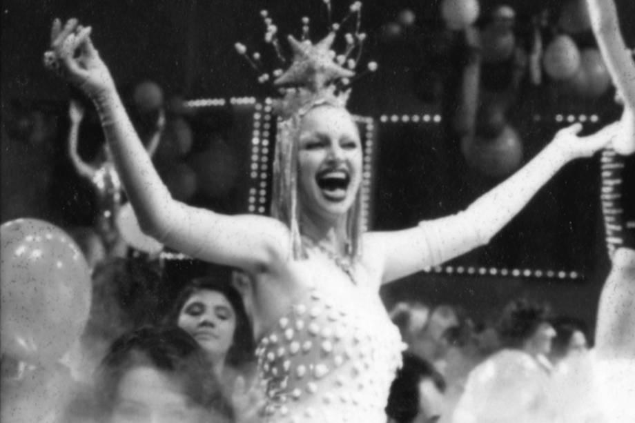 Elke Maravilha no programa do Chacrinha, na Rede Bandeirantes na década de 1970
