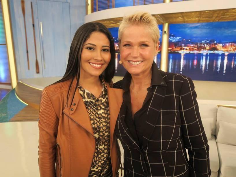 Thaynara com a apresentadora Xuxa