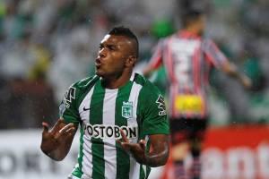 Miguel Angel Borja, do Atletico Nacional, comemora o gol de empate no São Paulo, na Colômbia
