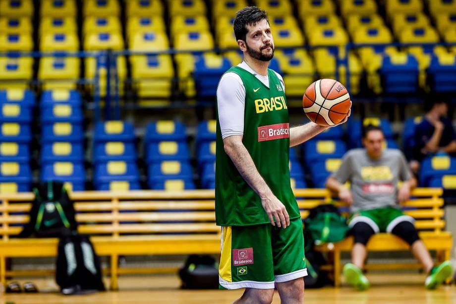 O ala-pivô Guilherme Giovannoni