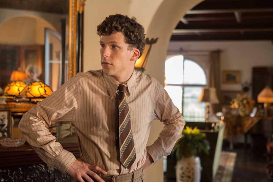 Bobby (Jesse Eisenberg) em cena do filme Café Society