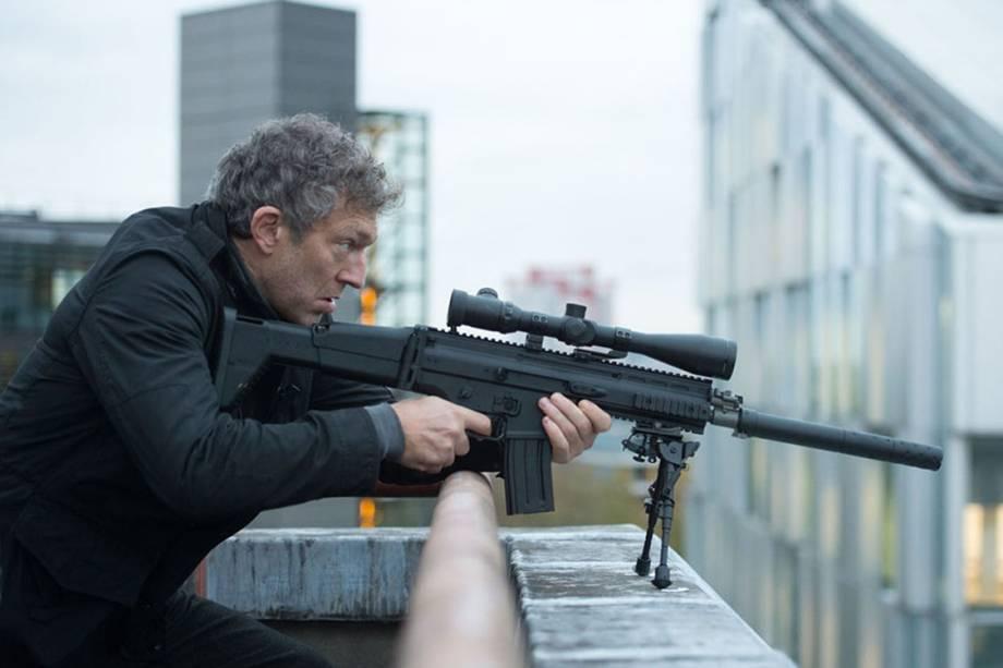 Vincent Cassel interpreta Asset, o vilão da vez com a mira em Jason Bourne