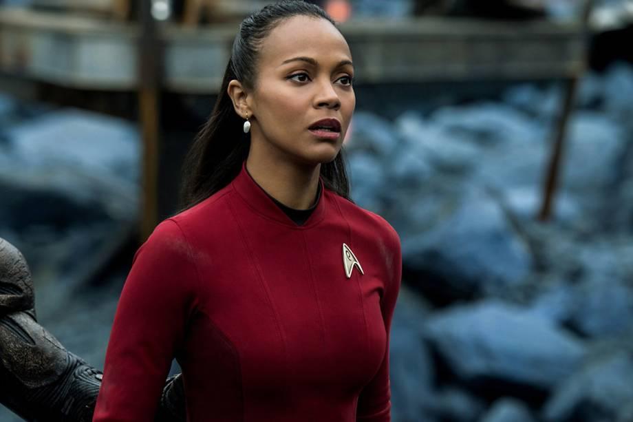 Tenente Uhura (Zoe Saldana) em cenas do filme Star Trek: Sem Fronteiras