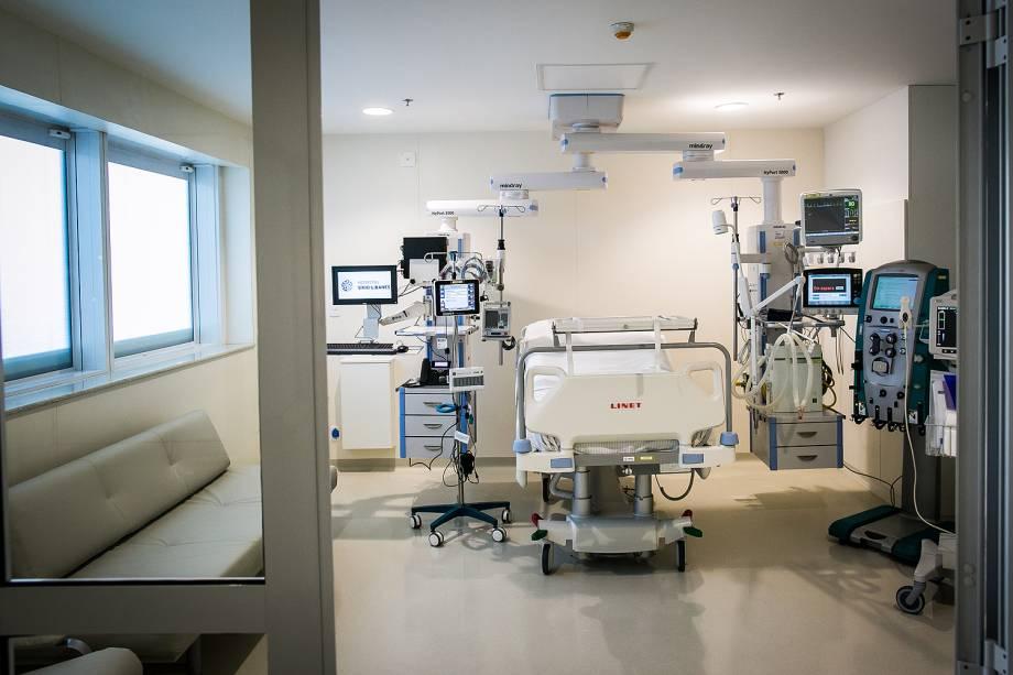 Os leitos individualizados da nova UTI Cardiológica do Hospital Sírio Libanês propiciam mais conforto ao paciente e seus familiares, que podem permanecer 24h no local.