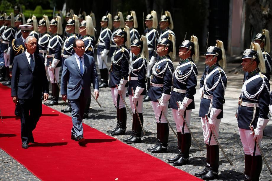 O chefe de Estado francês, François Hollande é recebido no Palácio de Belém pelo Presidente português, Marcelo Rebelo de Sousa - 19/07/2016
