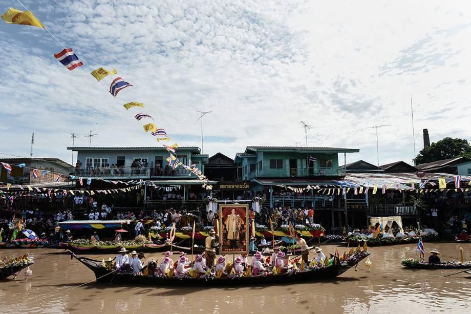 População tailandesa comemora o Dia de Asaha Bucha, festival que relembra e celebra o primeiro sermão dado por Buda aos seus discípulos - 19/07/2016