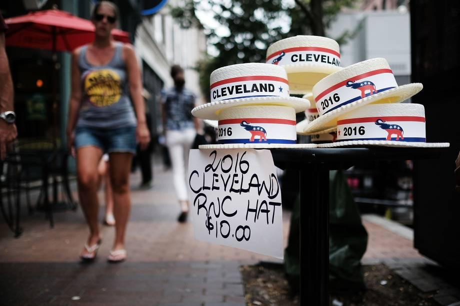 Chapéus com o símbolo do Partido Republicano são vendidos no centro de Cleveland. A cidade no estado americano de Ohio recebe convenção nacional que decidirá o candidato republicano à presidência dos Estados Unidos - 17/07/2016
