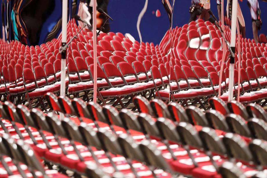 Cadeiras são refletidas em espelho, antes da Convenção Nacional do Partido Republicano, em Cleveland, Ohio (EUA) - 18/07/2016