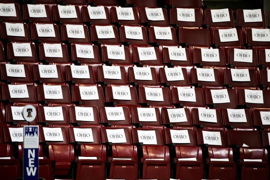 Assentos reservados aos delegados do estado americano de Ohio, antes do início da Convenção Nacional do Partido Democrata, na cidade da Filadélfia - 25/07/2016