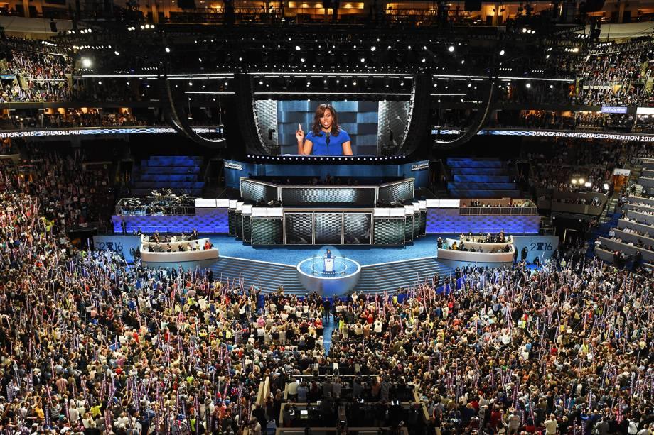 A primeira-dama americana, Michelle Obama, discursa durante o primeiro dia da Convenção do Partido Democrata americano, na Filadélfia (EUA) - 25/07/2016