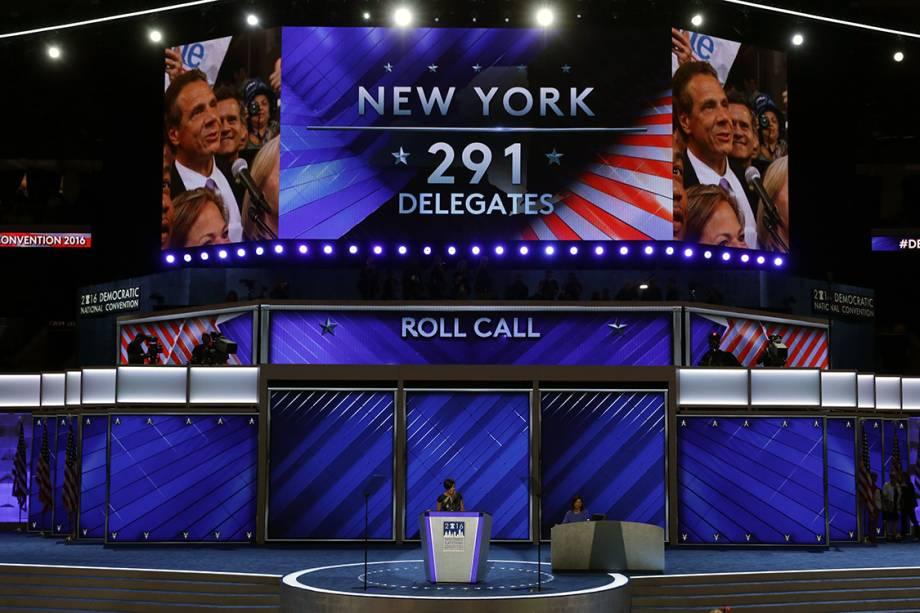 Votação dos delegados para nomeação do candidato democrata que disputará à presidência dos Estados Unidos, durante o segundo dia da convenção do partido - 26/07/2016