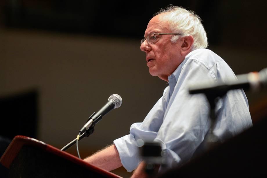 O senador Bernie Sanders, discursa durante a Convenção Nacional Democrata, na cidade da Filadélfia (EUA) - 25/07/2016