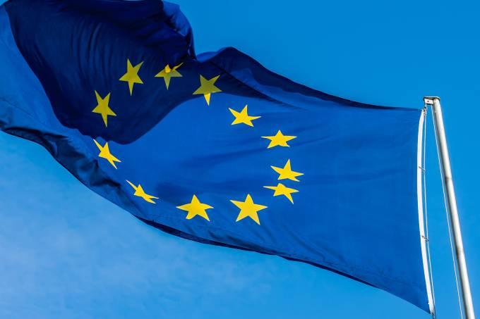 mundo-internacional-uniao-europeia-bandeira-20151001-003-original.jpeg