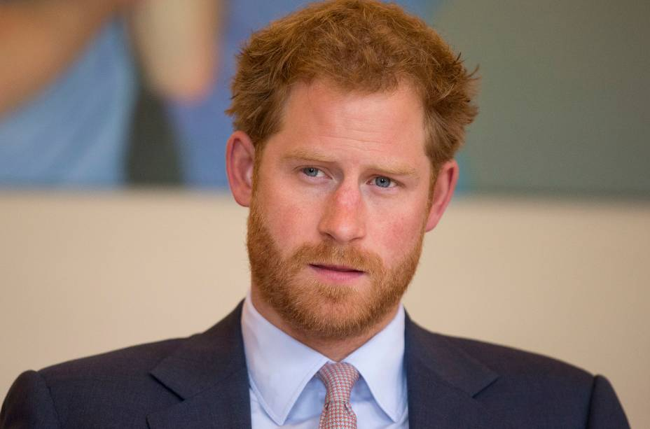 Príncipe Harry durante visita a ala especializada no tratamento do vírus HIV, no Kings College Hospital de Londres - 07/07/2016