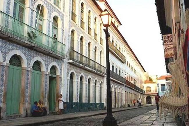 O centro histórico de São Luis do Maranhão, foi fundada pelos franceses e ocupada pelos holandeses antes do domínio português – data do final do século XVII e preservou completamente o planejamento original, com ruas organizadas de maneira retangular. Reconhecido como Patrimônio Mundial da Humanidade pela UNESCO, em 1997