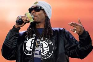 O rapper americano Snoop Dogg, se apresenta no festival de música de Pemberton, no Canadá - 14/07/2016
