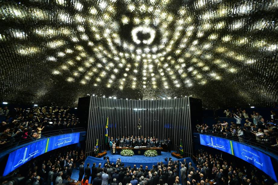 Presidente Michel Temer assume cargo de Presidente da República durante cerimônia no Senado