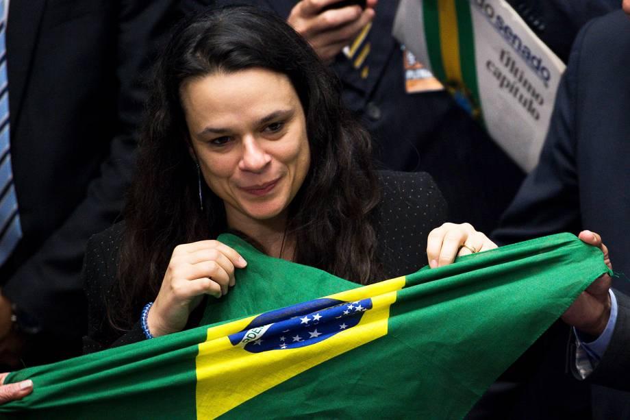 A jurista Janaina Paschoal durante votação que decidiu pelo afastamento definitivo da presidente Dilma Rousseff, por 61 votos a 20, em sessão final do julgamento do processo de impeachment no Senado Federal, em Brasília - 31/08/2016
