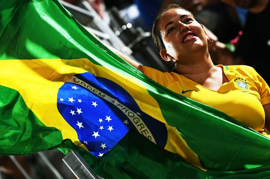 Torcida brasileira durante a final de vôlei de praia entre Brasil e Alemanha