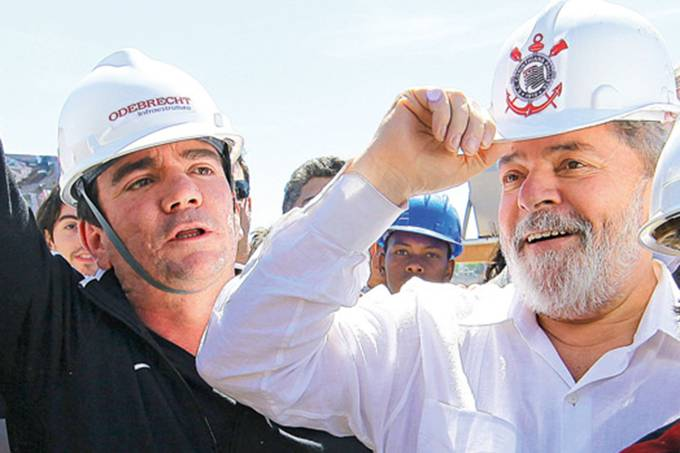 Andrés Sanchez e Lula visitam obra do Itaquerão