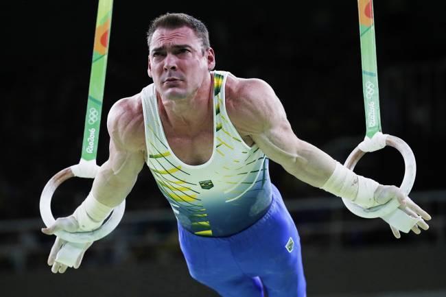 O brasileiro Arthur Zanetti, em sua apresentação que garantiu a conquista da medalha de prata nas argolas - 15/08/2016