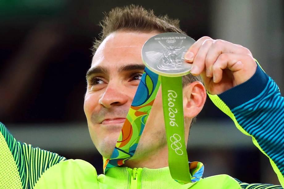 O ginasta brasileiro Arthur Zanetti conquista medalha de prata nas argolas - 15/08/2016