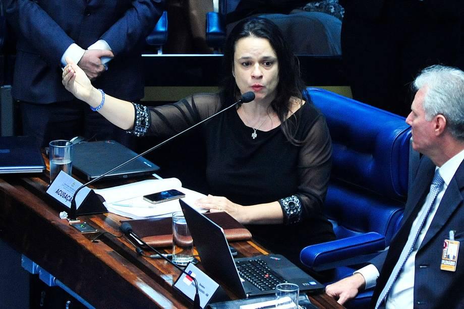 A jurista Janaína Paschoal durante sessão de julgamento final do processo de impeachment, da presidente afastada Dilma Rousseff - 25/08/2016
