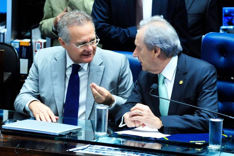O presidente do Senado Federal, Renan Calheiros, e o presidente do STF (Supremo Tribunal Federal), Ricardo Lewandowski, antes do início da sessão do julgamento final do impeachment da presidente afastada Dilma Rousseff - 25/08/2016